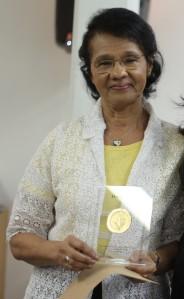 Maria de Lourdes Silva, homenageada como funcionária EEFE.